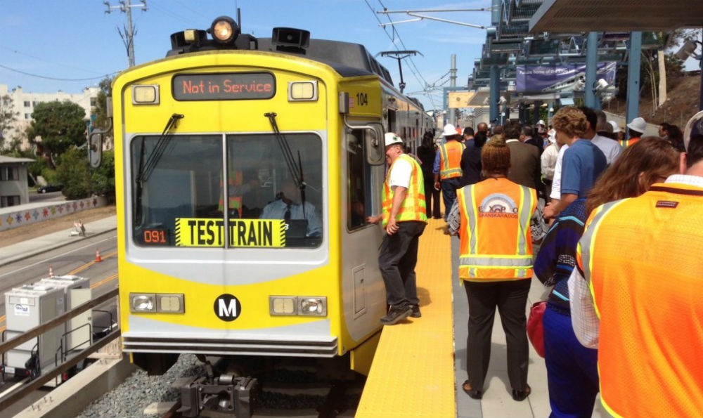 LA Expo Line starts revenue service - Railway Gazette